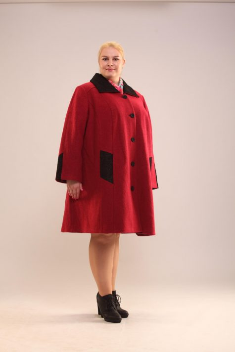 Демисезонное пальто с отделкой, цвет ярко-розовый в интернет-магазине Фабрики Тревери