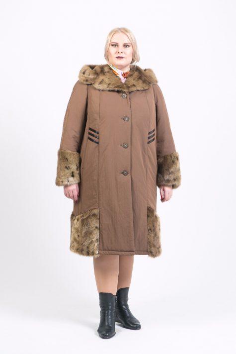 Длинное зимнее пальто с меховой отделкой, цвет коричневый в интернет-магазине Фабрики Тревери