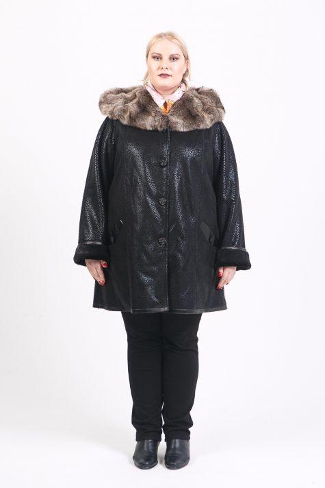 Дубленка прямого силуэта с капюшоном, цвет черный в интернет-магазине Фабрики Тревери