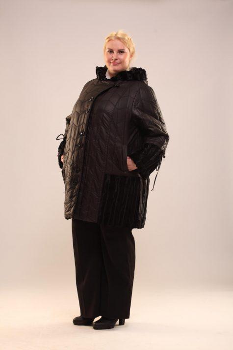 Комбинированное пальто из стежки и меха, цвет черный в интернет-магазине Фабрики Тревери