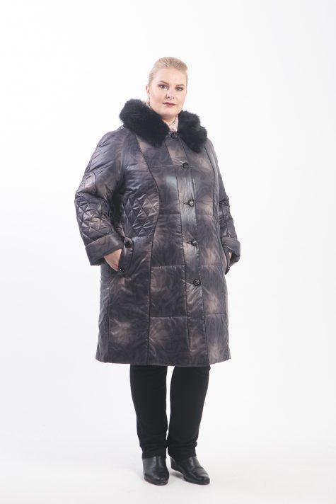 Пальто из плащевки с мехово отделкой, цвет сиреневый в интернет-магазине Фабрики Тревери