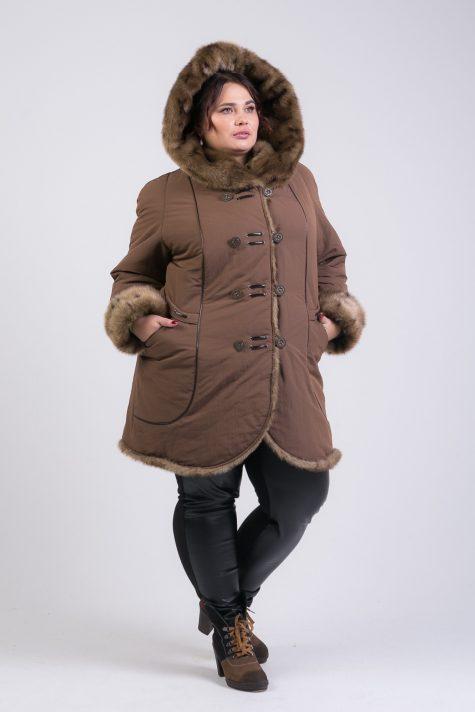Пальто из плащевки с меховой отделкой, цвет коричневый в интернет-магазине Фабрики Тревери