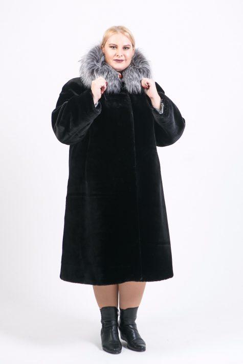 Шуба под мутон с отделкой из чернобурки, цвет черный в интернет-магазине Фабрики Тревери