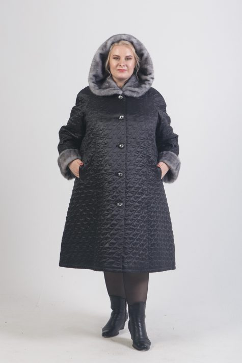 Зимнее пальто с меховым капюшоном, цвет черный в интернет-магазине Фабрики Тревери