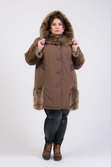 Зимнее пальто с отделкой из меха, цвет коричневый в интернет-магазине Фабрики Тревери
