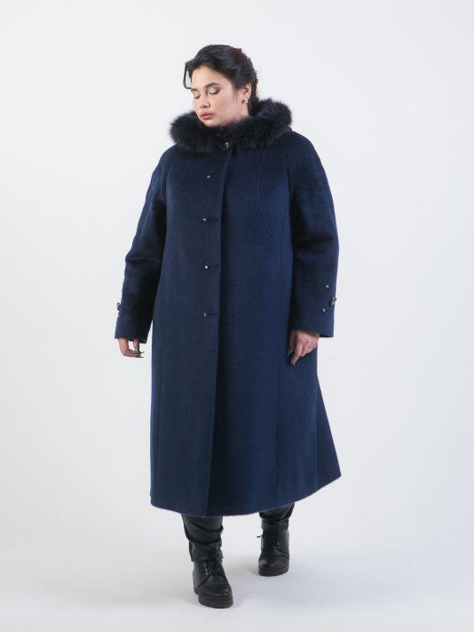 Пальто из ворсового драпа с меховым капюшоном, цвет синий в интернет-магазине Фабрики Тревери