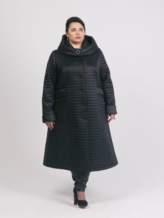 Черное стеганное пальто с капюшоном, цвет черный в интернет-магазине Фабрики Тревери