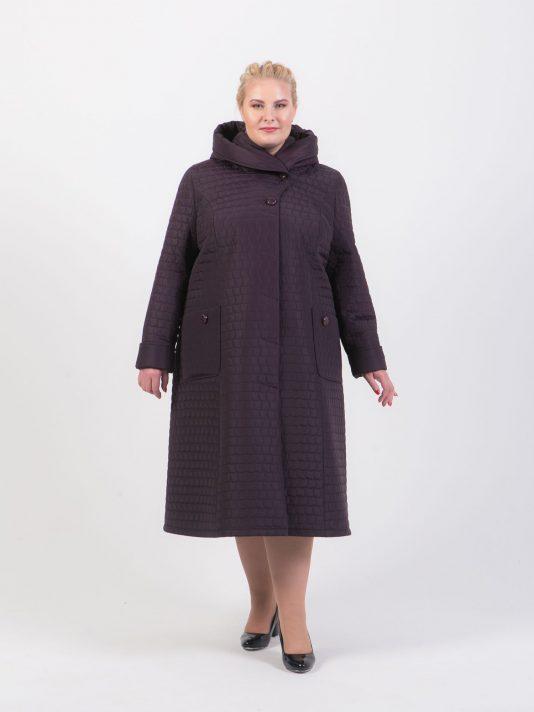 Демисезонное пальто приталенного силуэта из стежки, цвет фиолетовый в интернет-магазине Фабрики Тревери