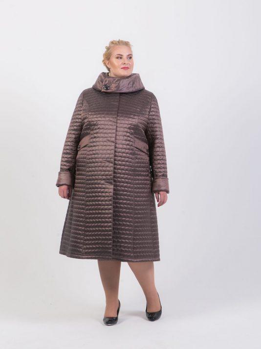 Стеганное пальто с капюшоном, цвет бежевый в интернет-магазине Фабрики Тревери