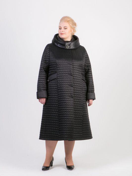 Стеганное пальто с капюшоном, цвет черный в интернет-магазине Фабрики Тревери