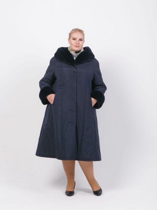 Зимнее пальто на двойном утеплителе с мехом по капюшону, цвет синий в интернет-магазине Фабрики Тревери