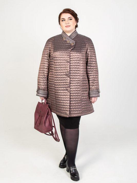 Легкая стеганая куртка из двухцветной плащевки, цвет бежевый в интернет-магазине Фабрики Тревери