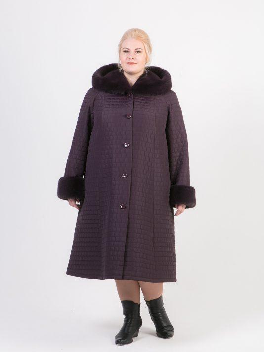 Зимнее длинное пальто трапеция из стежки цвета баклажан, цвет фиолетовый в интернет-магазине Фабрики Тревери