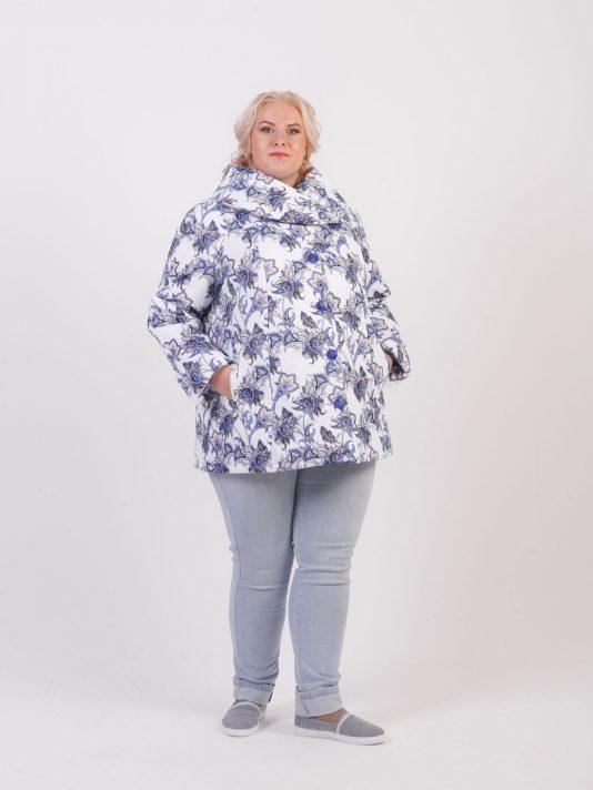 Утепленная куртка из принтованой ткани с воротником, цвет фиолетовый в интернет-магазине Фабрики Тревери