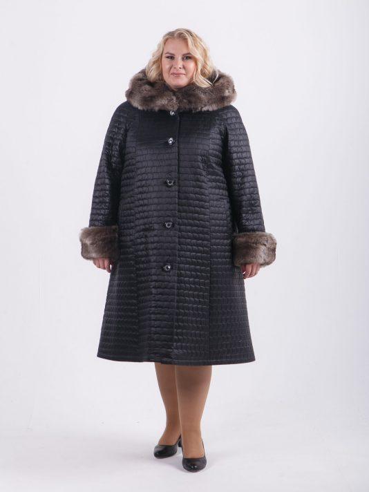 Зимнее пальто из стеганной плащевки с песцом, цвет черный в интернет-магазине Фабрики Тревери