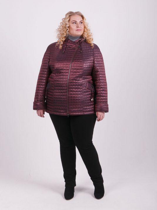 Куртка косуха из красивой стеганной ткани, цвет бордовый в интернет-магазине Фабрики Тревери
