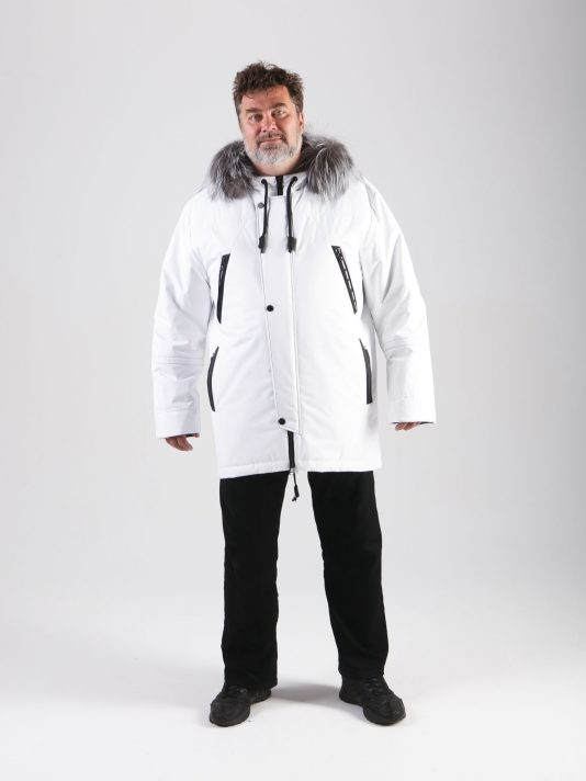 Мужская куртка-парка белого цвета на мембране с опушкой из лисы, цвет белый в интернет-магазине Фабрики Тревери
