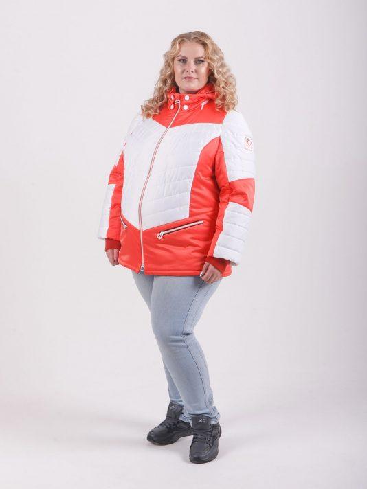 Яркая женская куртка из белого и кораллового цвета, цвет светло-розовый в интернет-магазине Фабрики Тревери