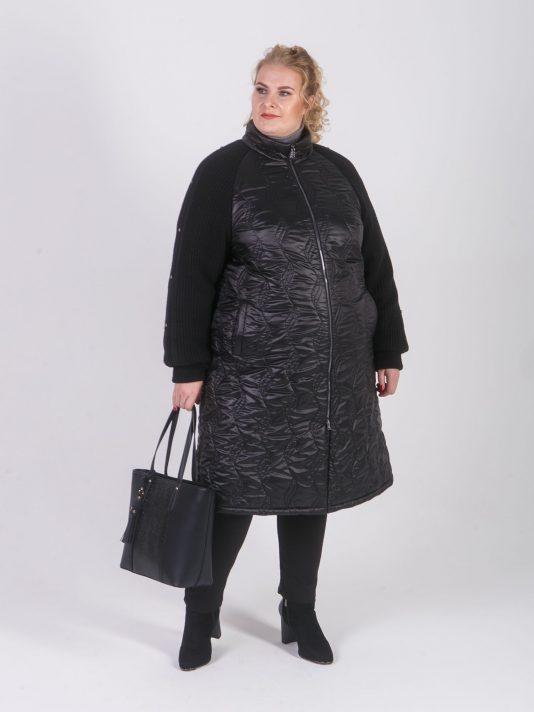 Пальто стеганное с трикотажным рукавом, цвет черный в интернет-магазине Фабрики Тревери