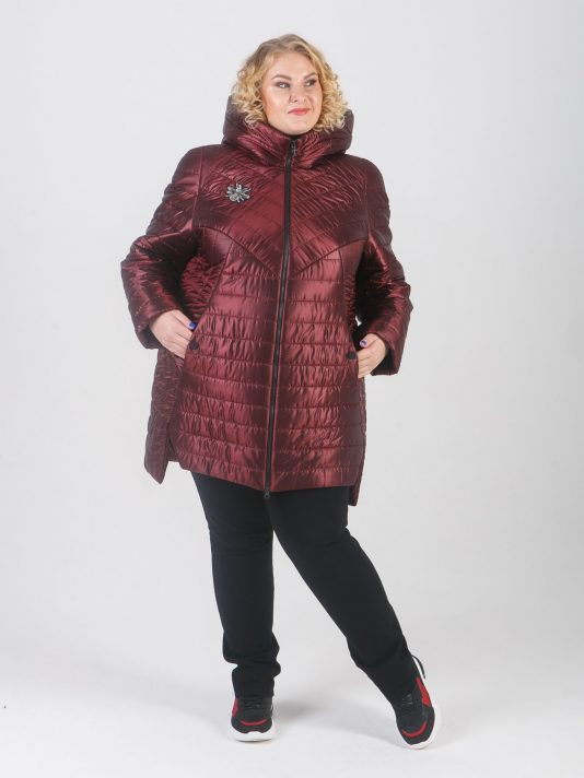 Модная куртка из стеганной ткани синего цвета, цвет бордовый в интернет-магазине Фабрики Тревери