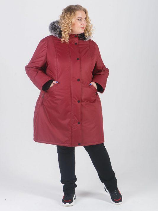 Спортивная женская куртка из мембранной ткани и брендированными кнопками, цвет бордовый в интернет-магазине Фабрики Тревери