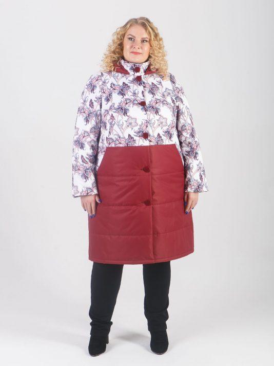 Женская куртка из принтованной и стеганной ткани бордового цвета на пуговицах, цвет бордовый в интернет-магазине Фабрики Тревери
