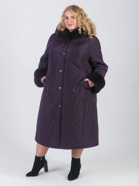 Зимнее пальто баклажанного цвета с мехом норки и хольнитенами, цвет фиолетовый в интернет-магазине Фабрики Тревери