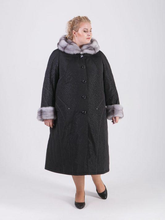 Зимнее пальто с утепленной подкладкой с контрастной отделочной строчкой и норкой крестовкой, цвет черный в интернет-магазине Фабрики Тревери