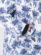 Зимняя принтованная куртка в виде фиолетовых цветов , цвет синий в интернет-магазине Фабрики Тревери