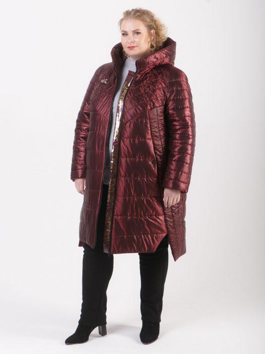 Демисезонная удлиненная куртка из комбинации тканей, цвет бордовый в интернет-магазине Фабрики Тревери