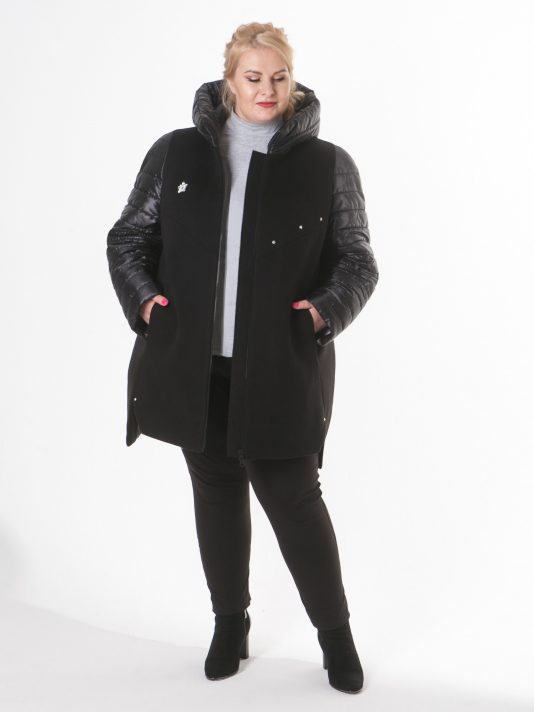 Молодежная куртка в комбинации драпа и стежки с декором, цвет черный в интернет-магазине Фабрики Тревери